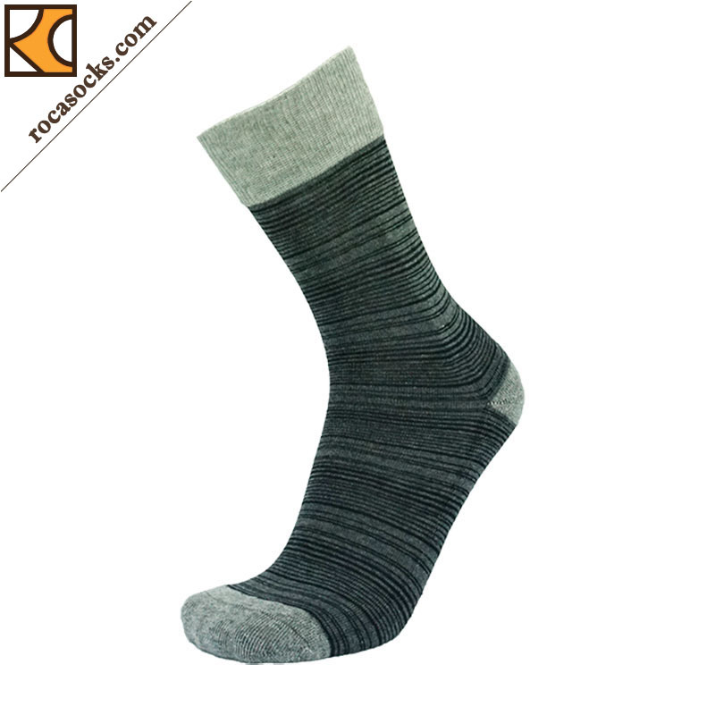 Men′s Irregular Striped Cotton Dress Socks (163012SK)