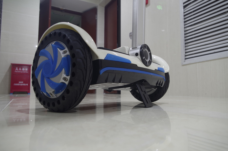 Factory Supply 8 Inch Self-Balancing Electric Scooter with Handle Bar