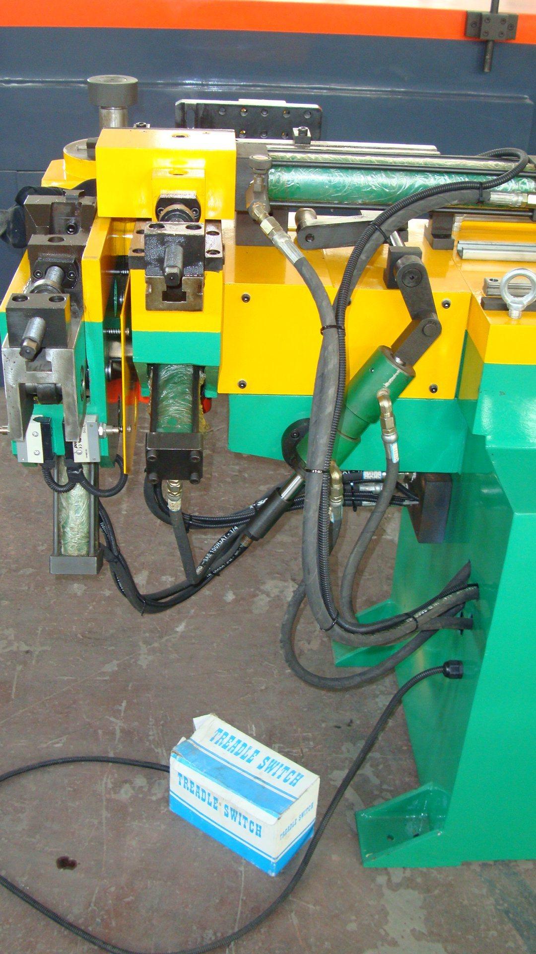 Three-Dimensional Pipe Bending Machine (GM-SB-38NCBA)