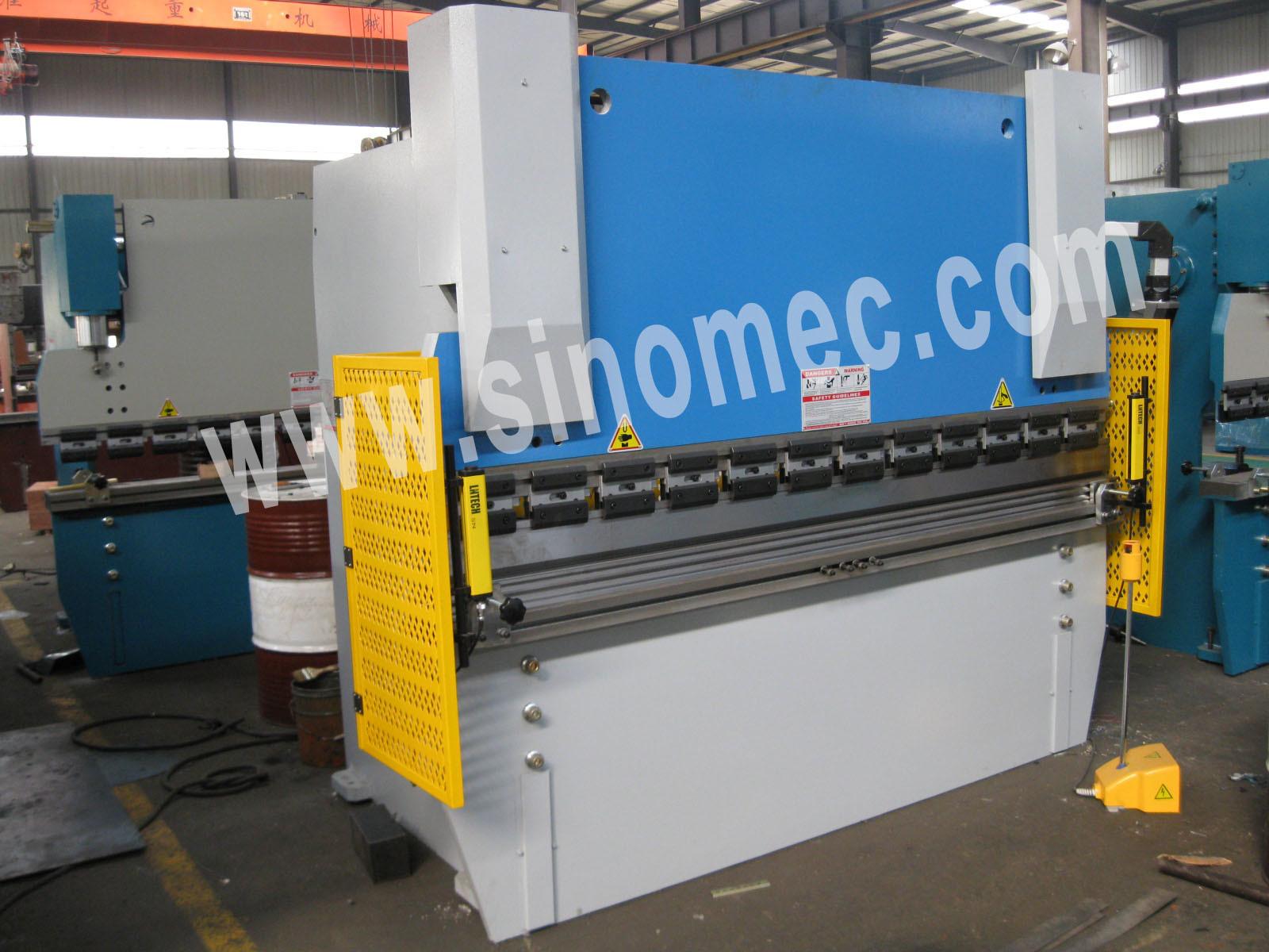 Nc Hydraulic Plate Bending Machine /Hydraulic Press Brake (WC67K-80T/2500)