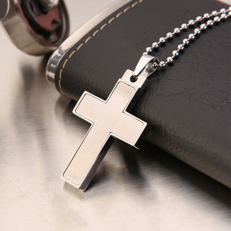 Stainless Steel Jewelry Fashion Men′s Necklace Cross Pendant (hdx1006)