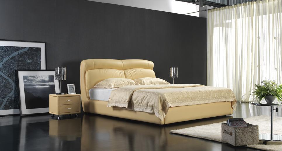 New Design Home Hotel Furniture Soft Bed (6063)