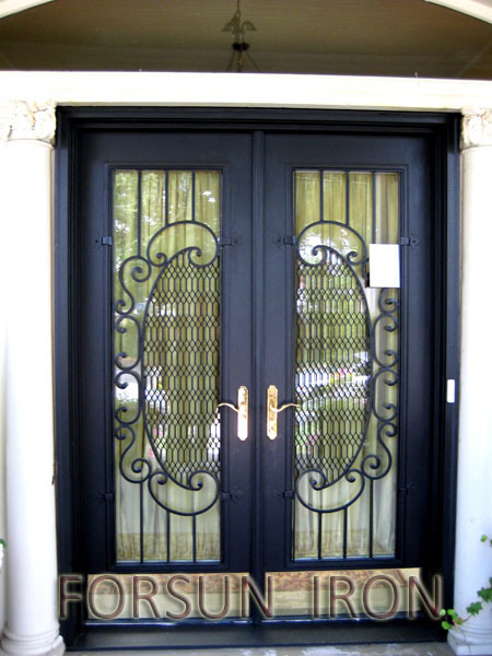 China Top Quality Wrought Iron Doors Elegant Design Iron