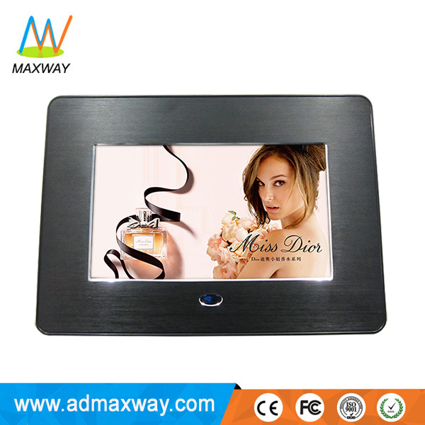 Plastic Material 7 Inch Digital Photo Frame with Battery Operated (MW-076DPF)