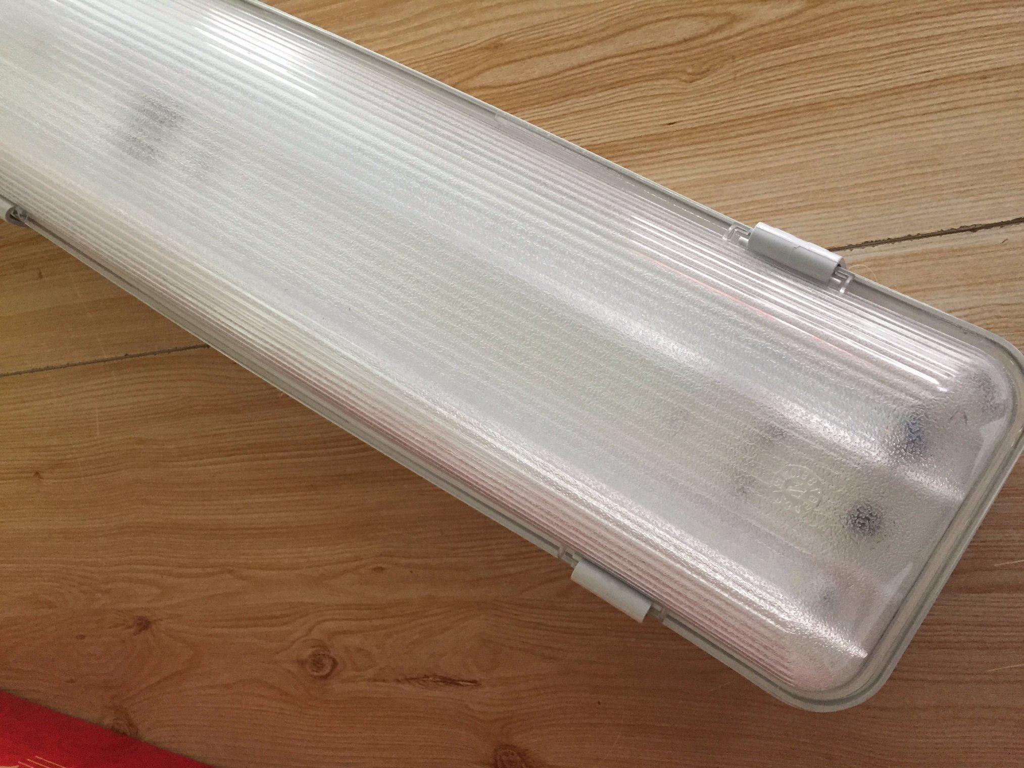 IP65 LED Batten Light 60W Vapour-Tight Luminaire