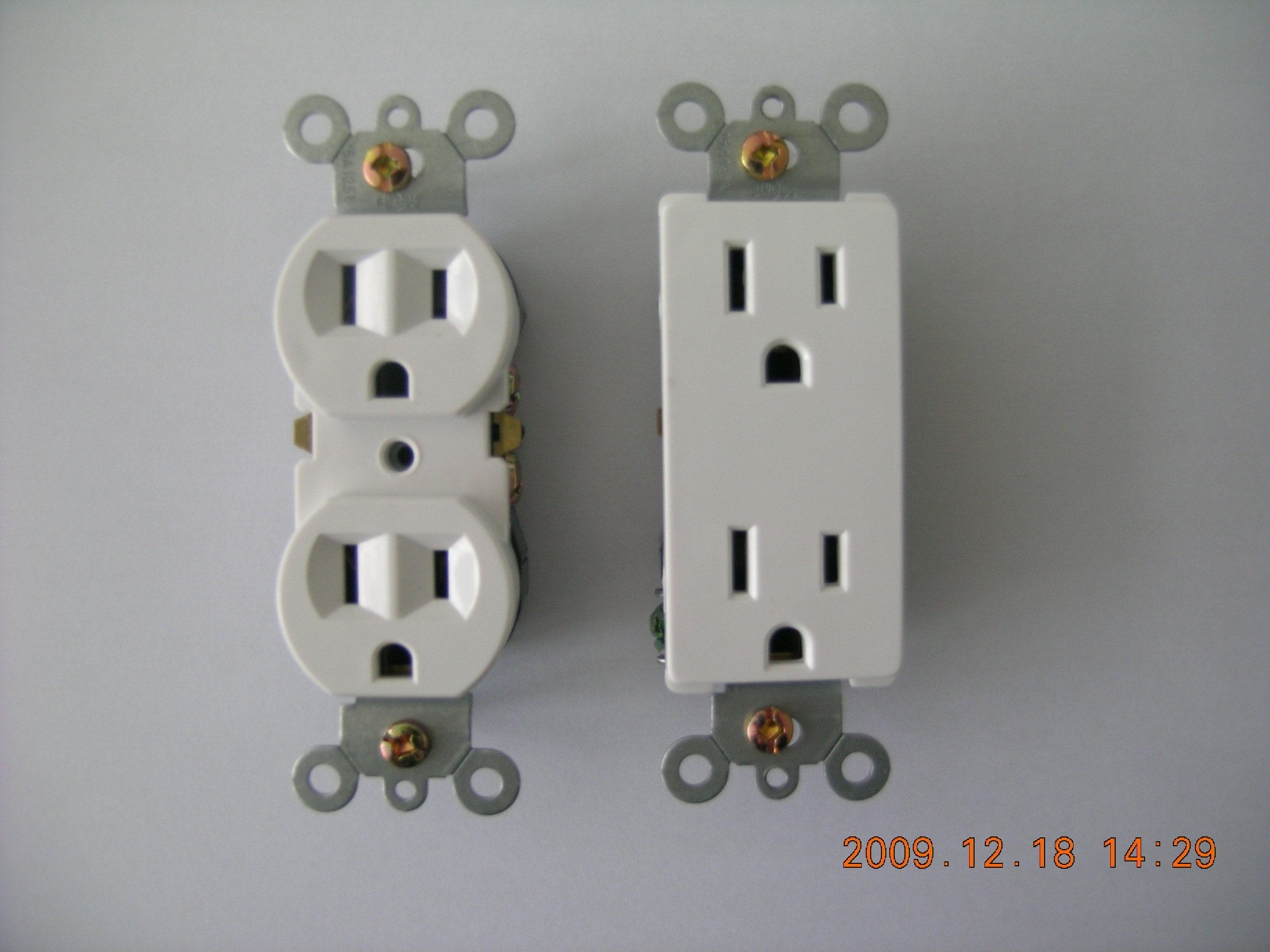 15A 125V Standard Duplex Receptalce, Straight Blade, Residential Receptacle
