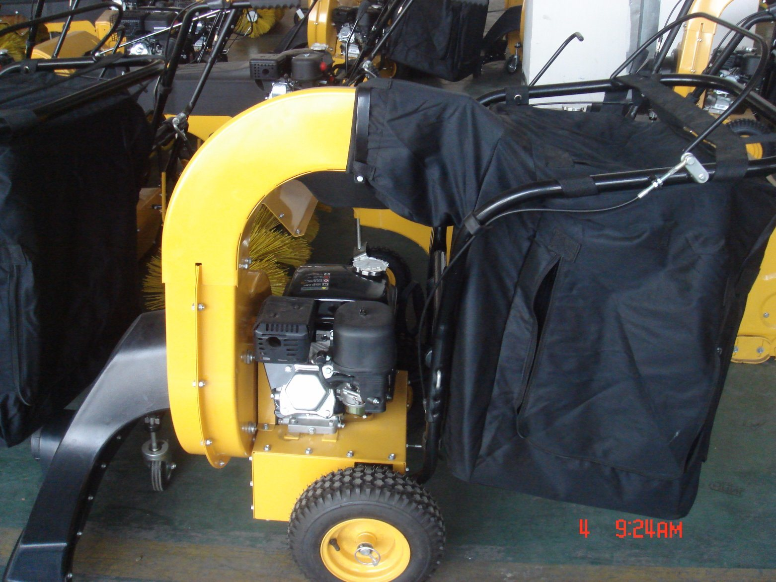 CE/GS Approved Gasoline 5.5HP Leaf Blower Vacuum (GAG5573)