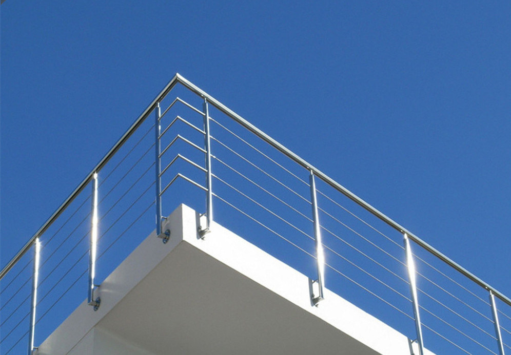 Side Mount Cantilevered Cable Railings for Decks with Cable Fitting