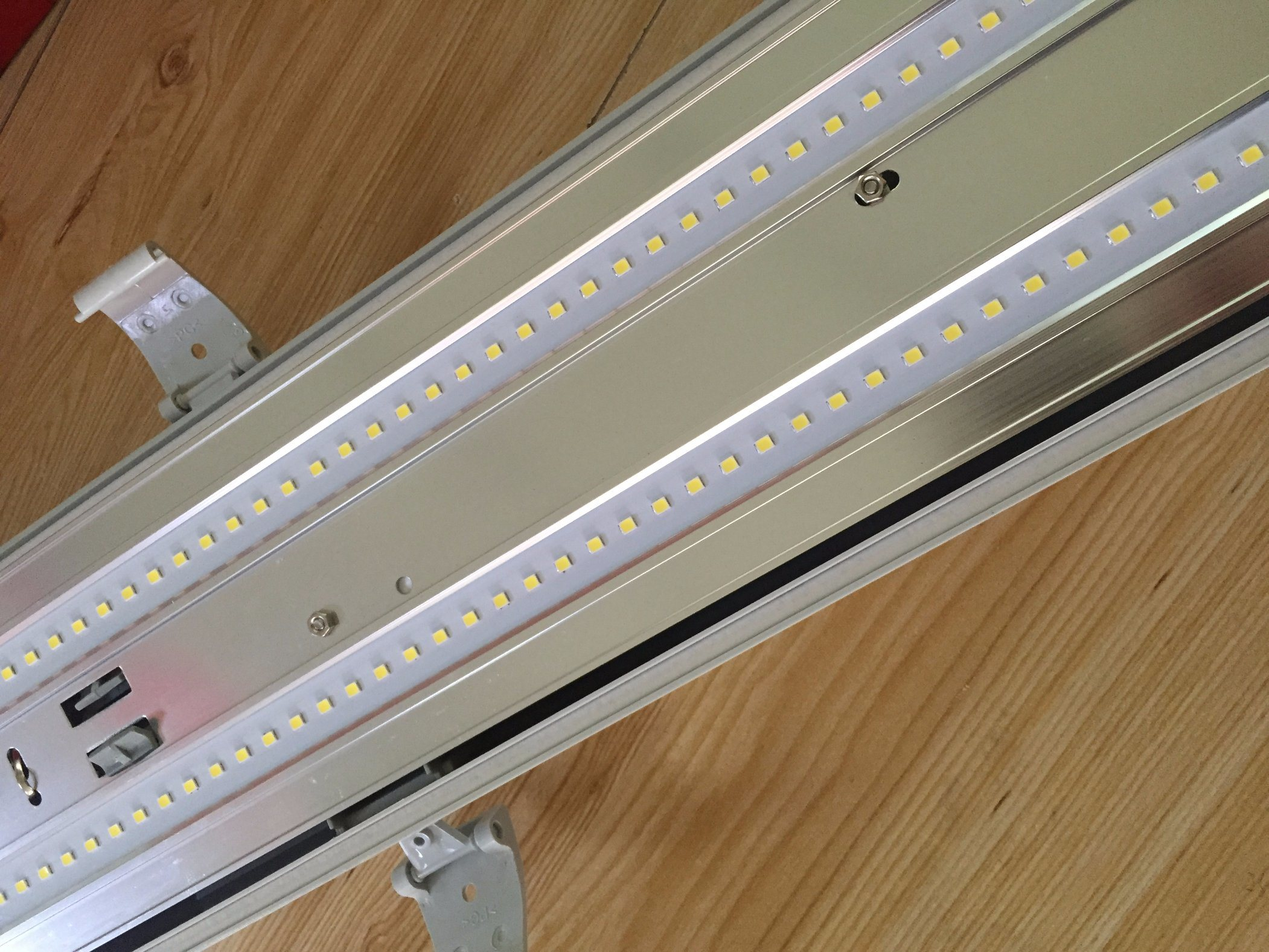 IP65 LED Batten Light 60W Vapour-Tight Luminaire