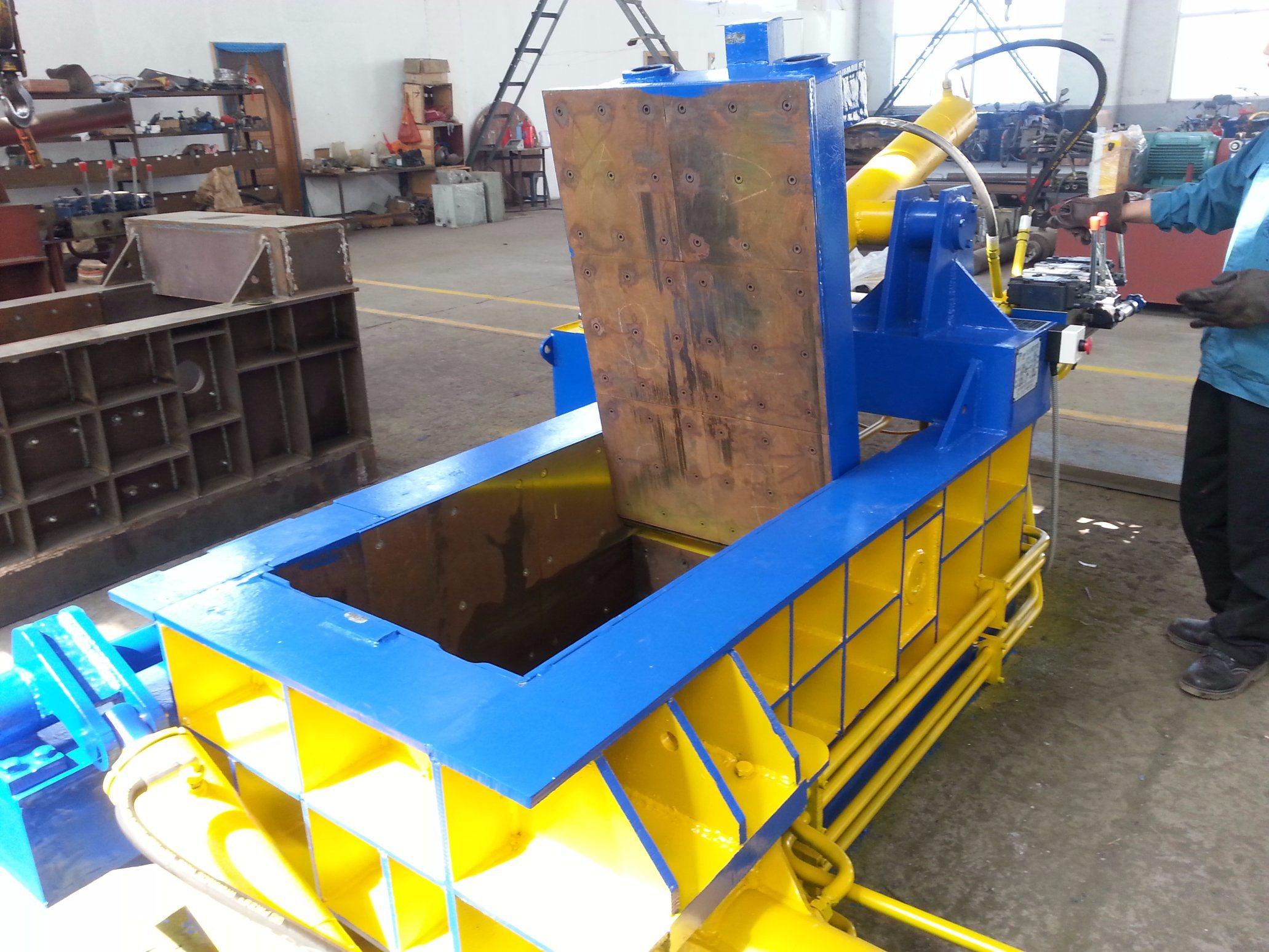 Automatic Scrap Metal Bale Pushing Baler for Sale