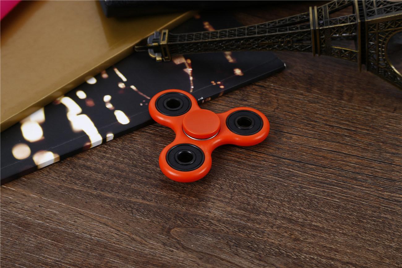 Good Quality, Tri Fidget Hand Spinner Toy with Nano Stainless Steel Bearings Finger Spinner