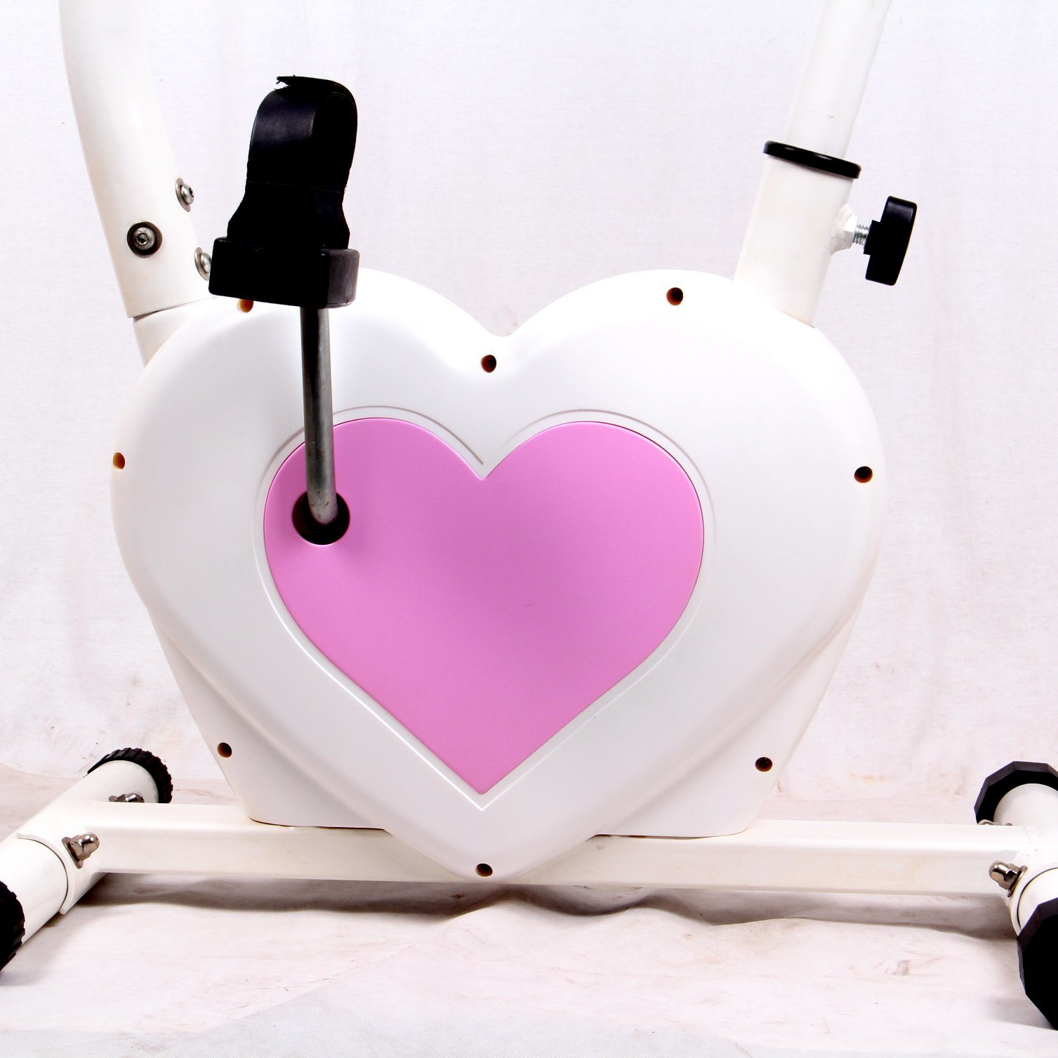 2017 New Design Sports Machine Heart-Shaped Exercise Bike Fitness Equipment