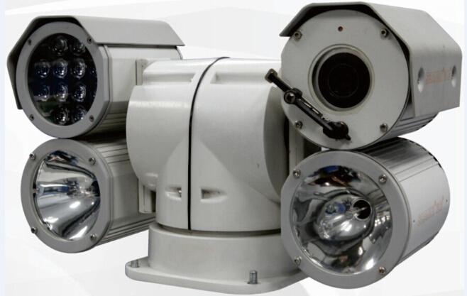 Vehicle-Mounted HID Lamp +IR Night Vision Variable Speed PTZ Camera