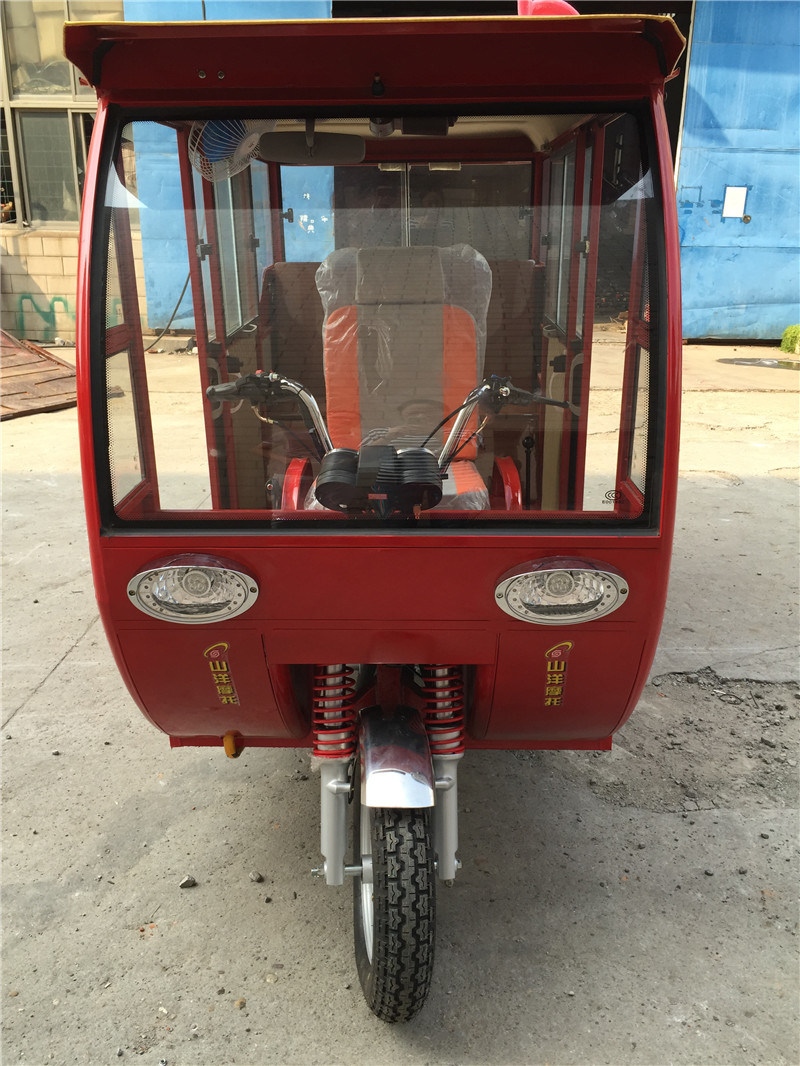 China New Classic Auto Rickshaw Passenger Tricycle, Bajaj Trike, Closed Gas Three Wheel Motorcycle