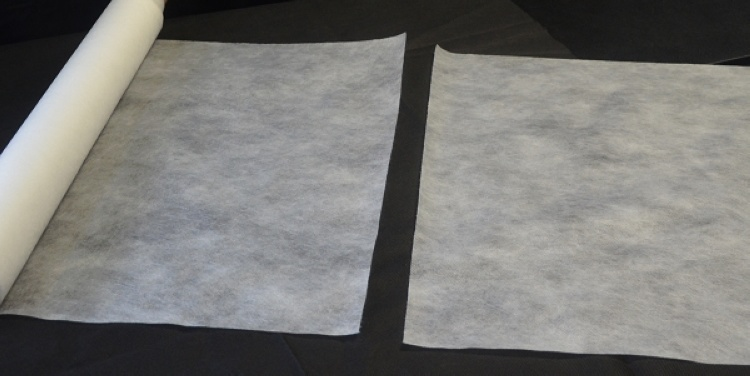 White Disposable Non-Woven Bed Cover Roll Perforated