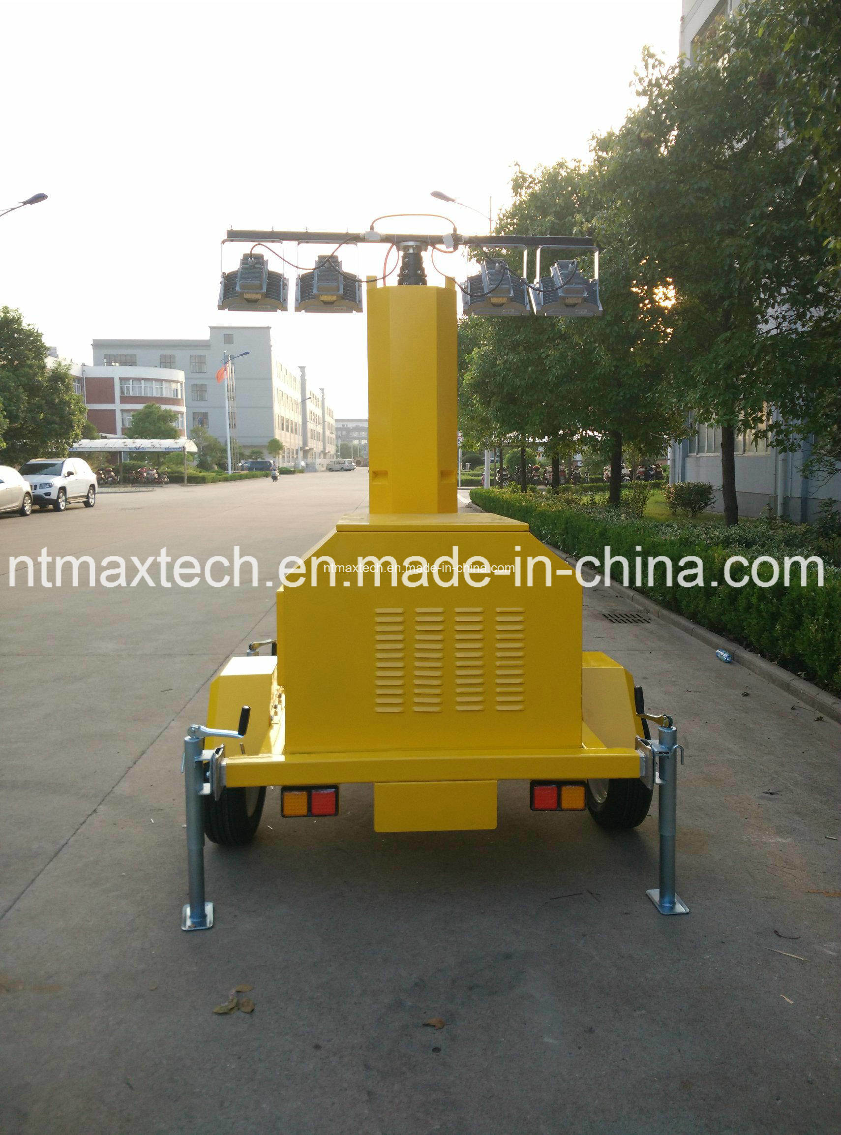 Generator Powered Portable LED Light Tower for Traffic Road Construction Field Working Site