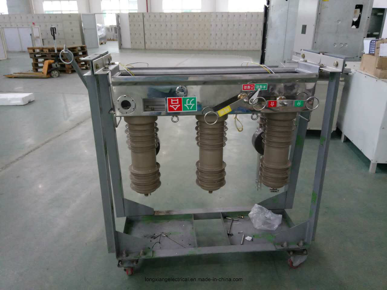 Zw32-12 High Voltage Vacuum Circuit Breaker for Outdoor