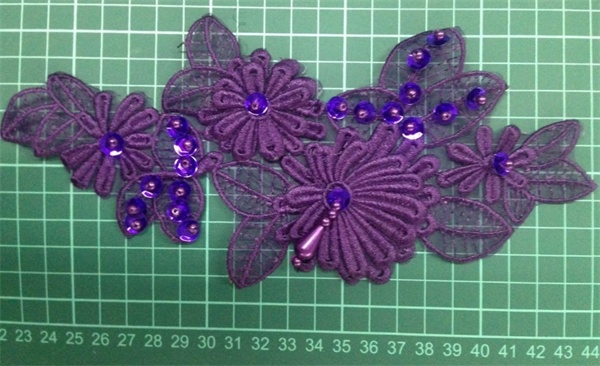Polyester Beaded Appliques for Lady′s Dressing