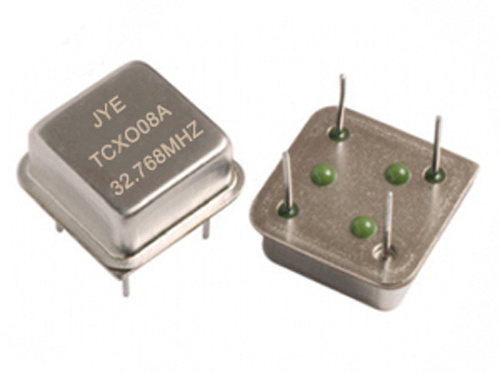 Temperature Compensated Crystal Oscillators with Size DIP08 and DIP14