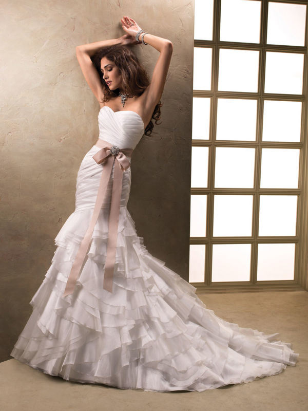 Embroidary Beading Beach Bridal Wedding Dress