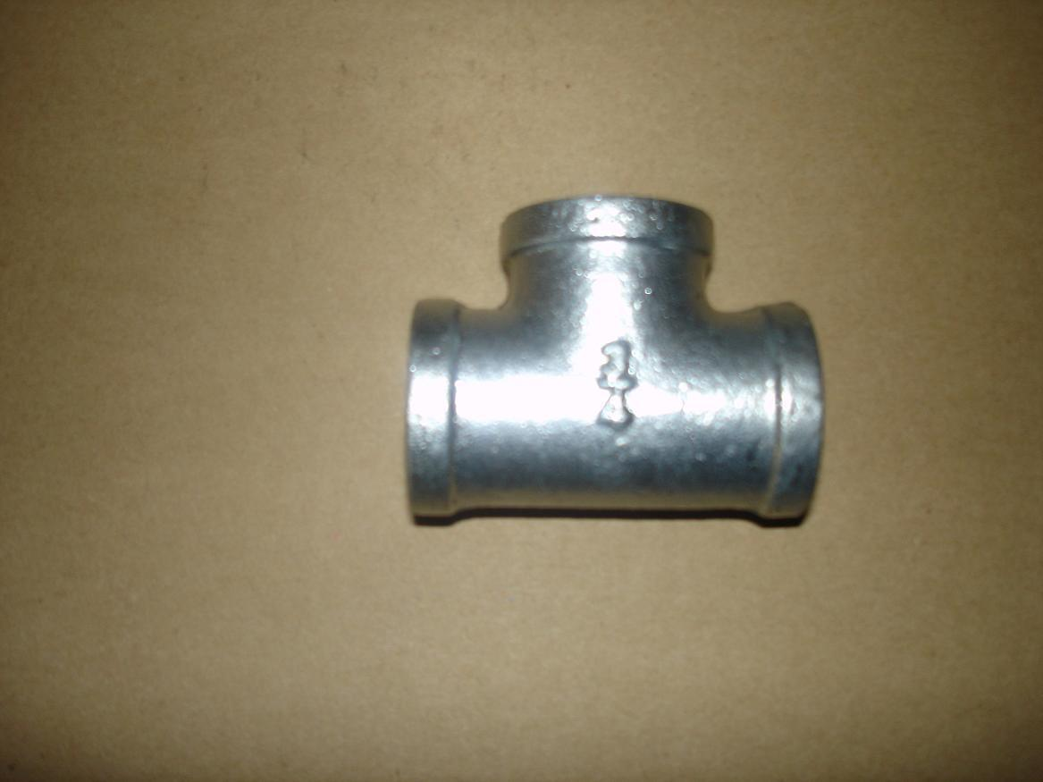 China malleable iron pipe fitting tee