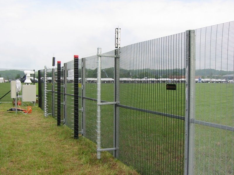 Anti-Climb Welded Square Fencing Panel Heavy Duty Metal Iron Wire Mesh Fence