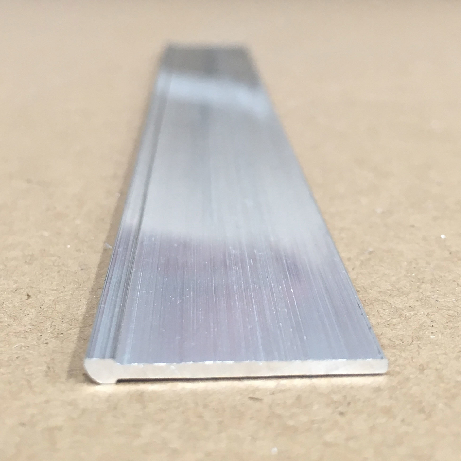Extruded Aluminium Bar for SIM Card Tray