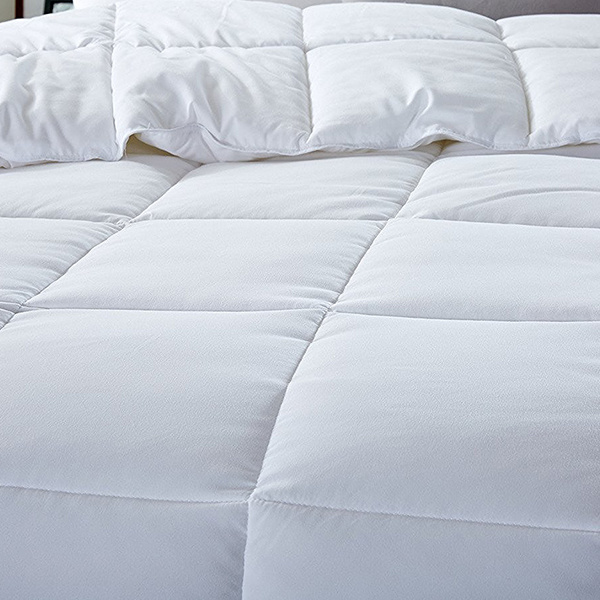 High Quality Luxury White Warm Down Alternative Hotel Cotton Duvet