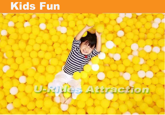 Giant Inflatable playground obstacle with Ocean balls