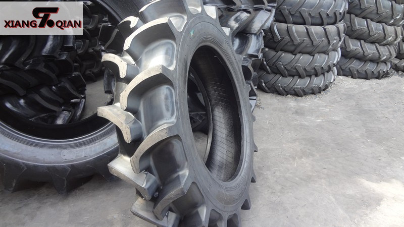R2 Pattern 11.2-24 Paddy Field Tractor Tires