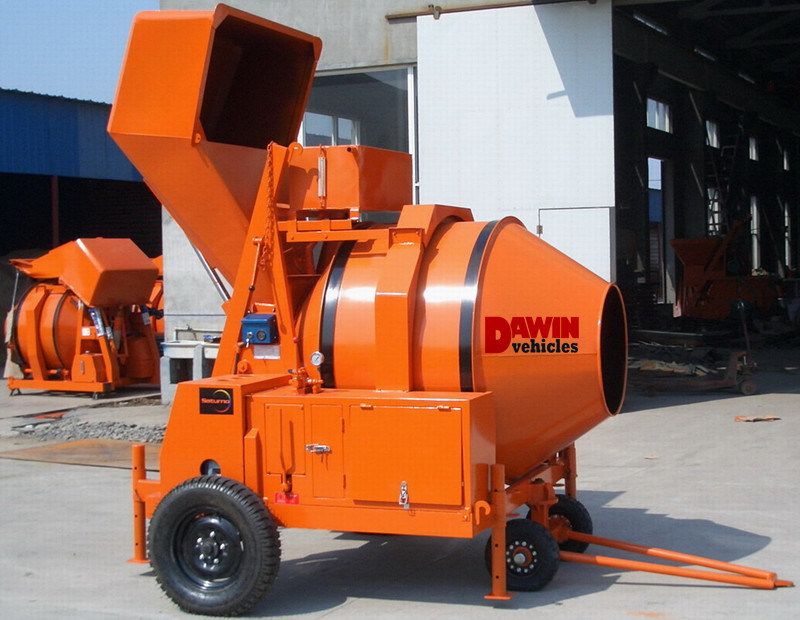 Diesel Engine Trailer Mounted Drum Concrete Mixer with Hydraulic Hopper Lifting System