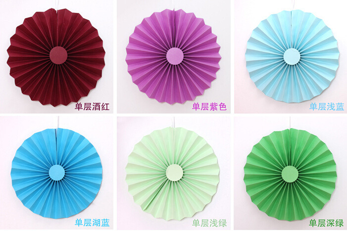 Home Decorative Paper Handmade Craft / Hanging Paper Wheel Fan Rosettes