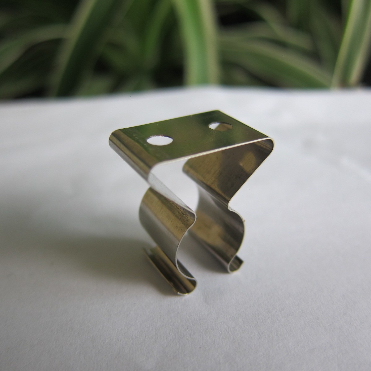 Stainless Steel Spring Contact Ceiling Lamp Mounting Bracket T5