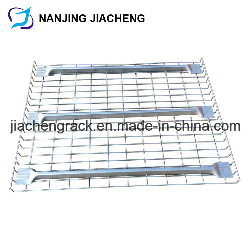 Inverted Flared Wire Mesh Decking with Waterfall