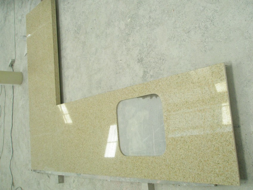 China Yellow Engineered Artificial Quartz Stone Countertops For Kitchen Bathroom Photos