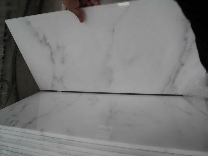 Carrara White/Statuario White/Polished Marble/White Marble/Oriental White Marble for Tile/Slab/Stair/Tread/Baluster/Sink/Monument/Vase/Basin