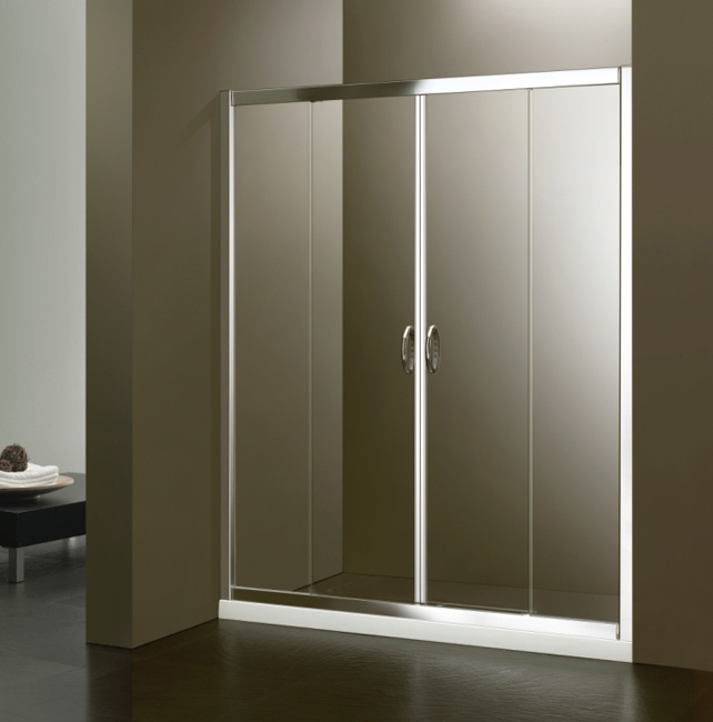 Sliding Shower Doors 642 x 650