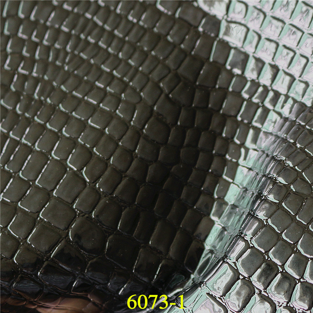 Hot Selling Classic Crocodile Grain Synthetic PU Material Leather