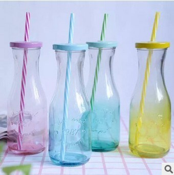 New Design 300ml Glass Beverage Bottles for Juice, Milk Glass Bottles with Straw and Lid