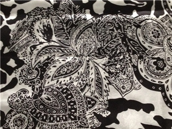 Silk Cdc Print in Black/White Flower Design