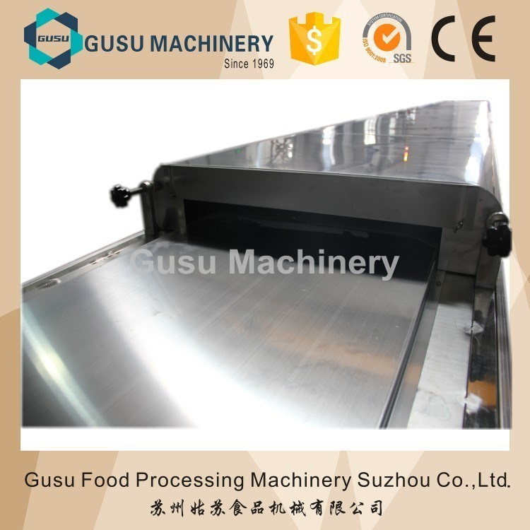 Ce Certified Small Capacity Chocolate Enrobing Coating Machinery