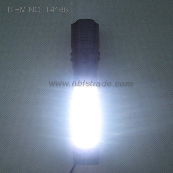 Powerful Aluminium Magnetic LED Flashlight with Work Light (T4188)