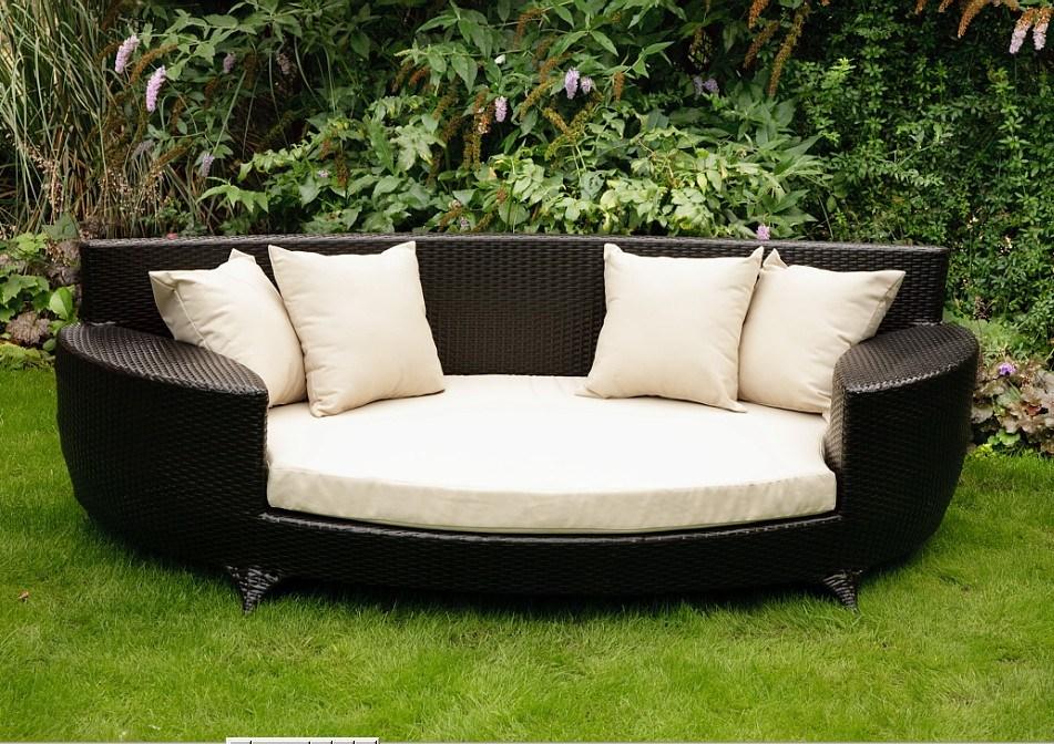 China Cane Furniture With Aluminum Tube Modern Sofa Bed
