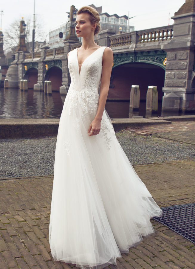 V Neck Soft and Flowing Wedding Dress