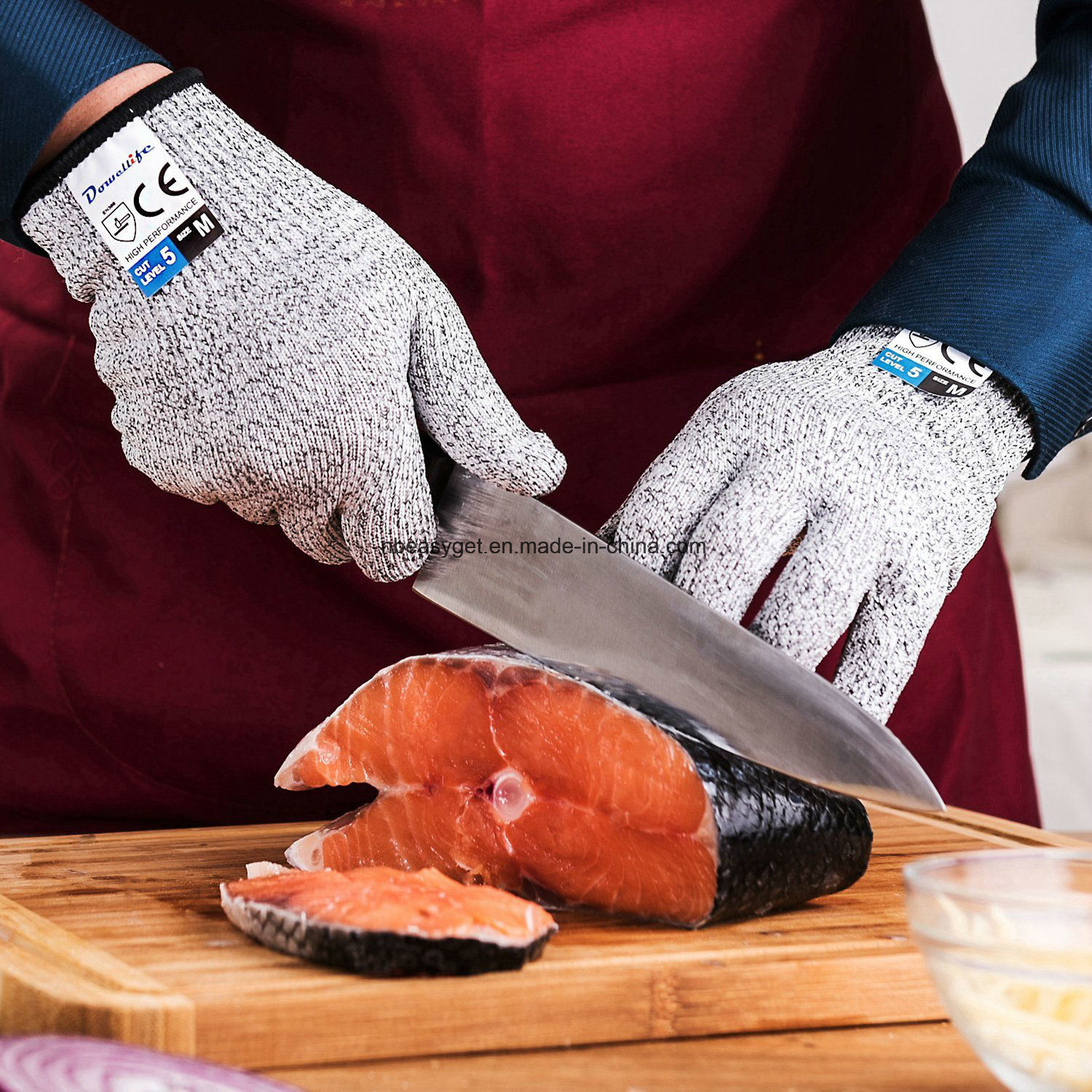 Cut Resistant Gloves Food Grade Level 5 Protection, Safety Kitchen Cuts Gloves for Oyster Shucking, Fish Fillet Processing, Mandolin Slicing, Meat Cutting
