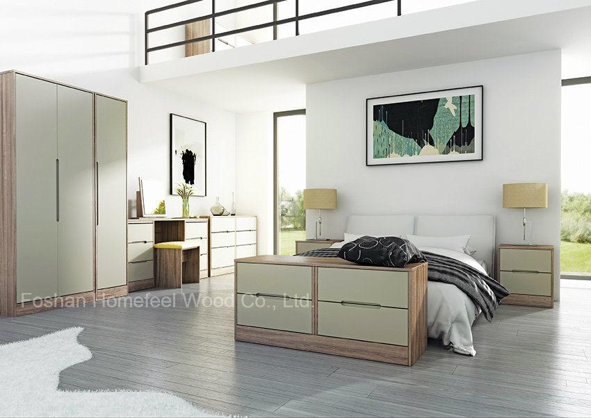 Elegant Design High Gloss Lacquered Bedroom Furniture (HF-MN012)