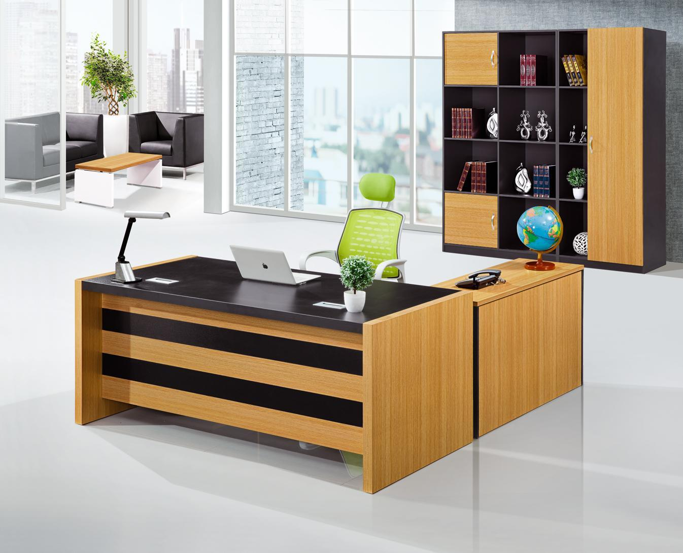Fashion Office Furniture Modern Executive Office Table (HX-GD042)