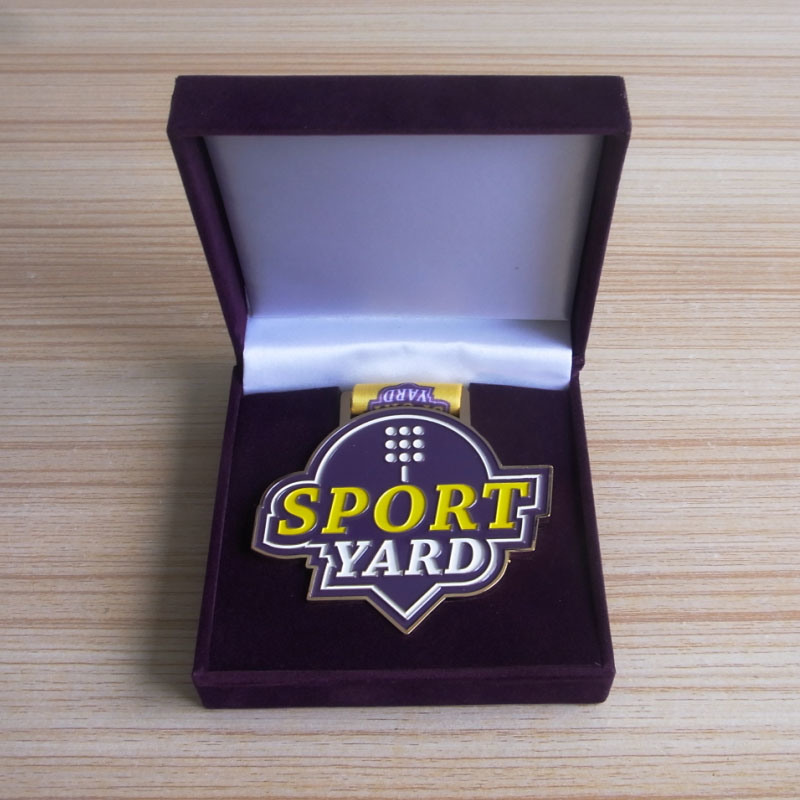 Customized Sport Year Souvenir Metal Medals with Purple Velvet Box