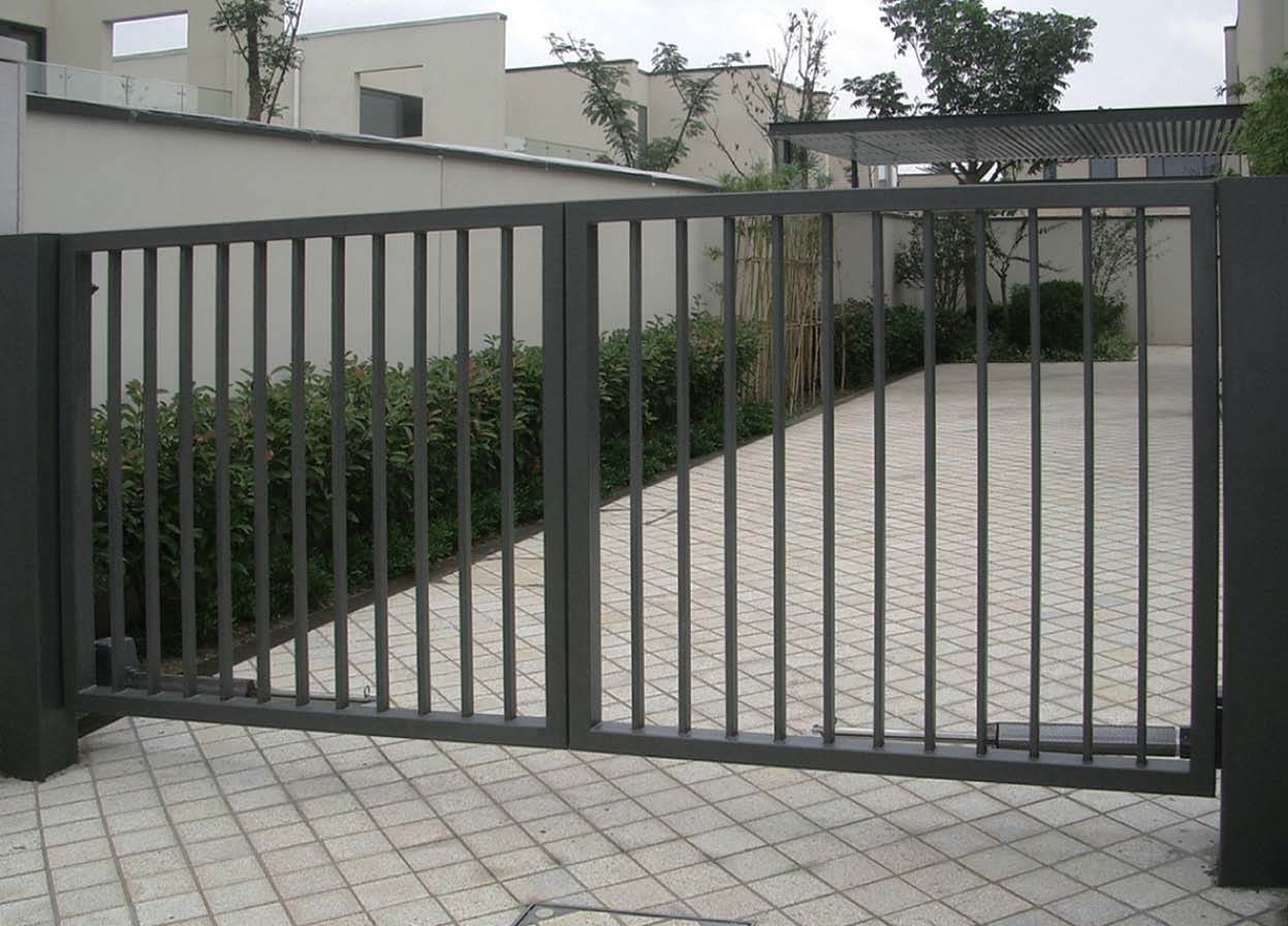 China iron sliding gates fences