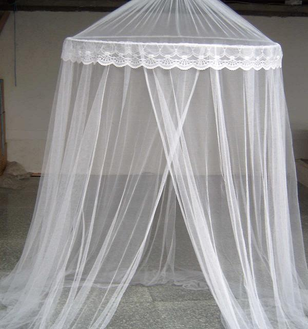 How to Make a Canopy Bed - Marye Audet on HubPages